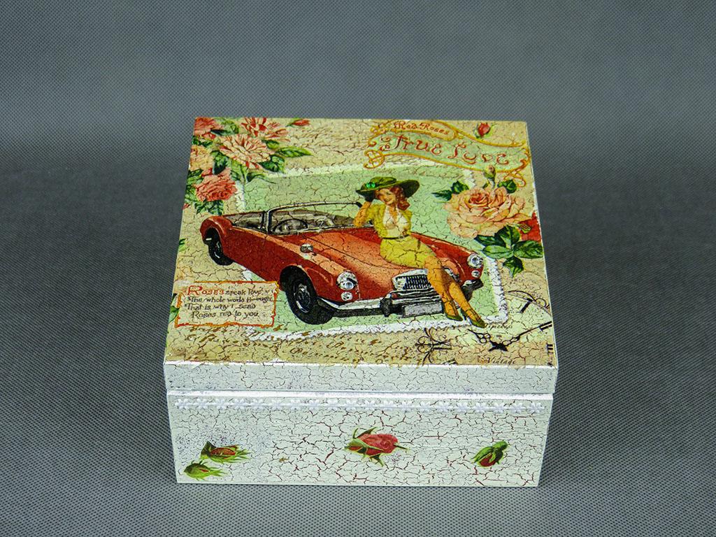 Pudełko - kobieta i samochód
